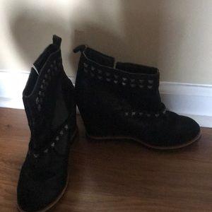 3 in heeled booties